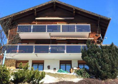 PV Geländer zwei Balkone